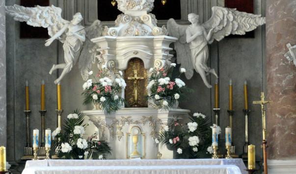 1561415 603x354 1 - Фарный костел Святого Апостола Андрея в Слониме