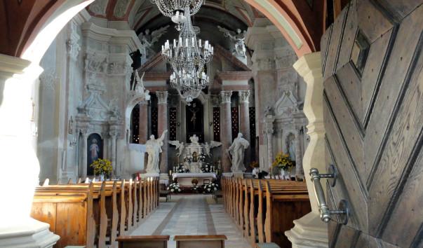 1561416 603x354 1 - Фарный костел Святого Апостола Андрея в Слониме