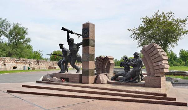 1575335 603x354 - Памятник воинам-пограничникам в Брестской крепости