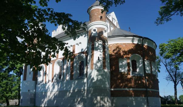 1610955 603x354 2 - Церковь–крепость в деревне Мурованка