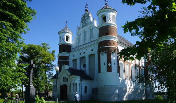 1610956 603x354 1 - Церковь–крепость в деревне Мурованка