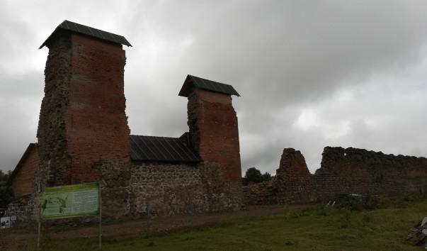 1726818 603x354 1 - Кревский замок