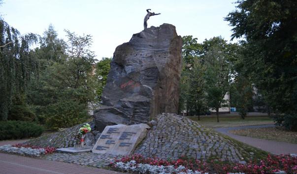 184273 603x354 2 - Памятник воинам-афганцам в Барановичах
