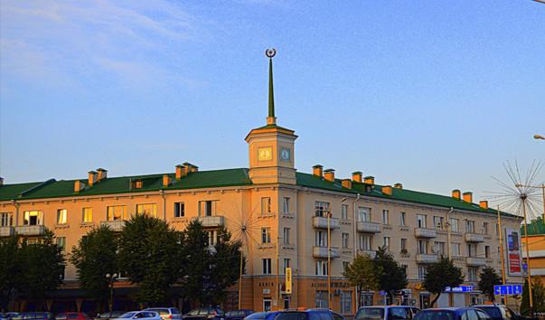 184274 603x354 2 - Дом с часовой башней в Барановичах