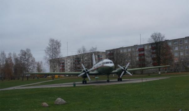"""191760 603x354 1 - Памятник-самолет """"Ил-14Т"""" в Бегомле"""