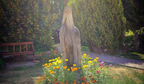 199362 603x354 3 - Декоративная скульптура «Аист» в Дудутках