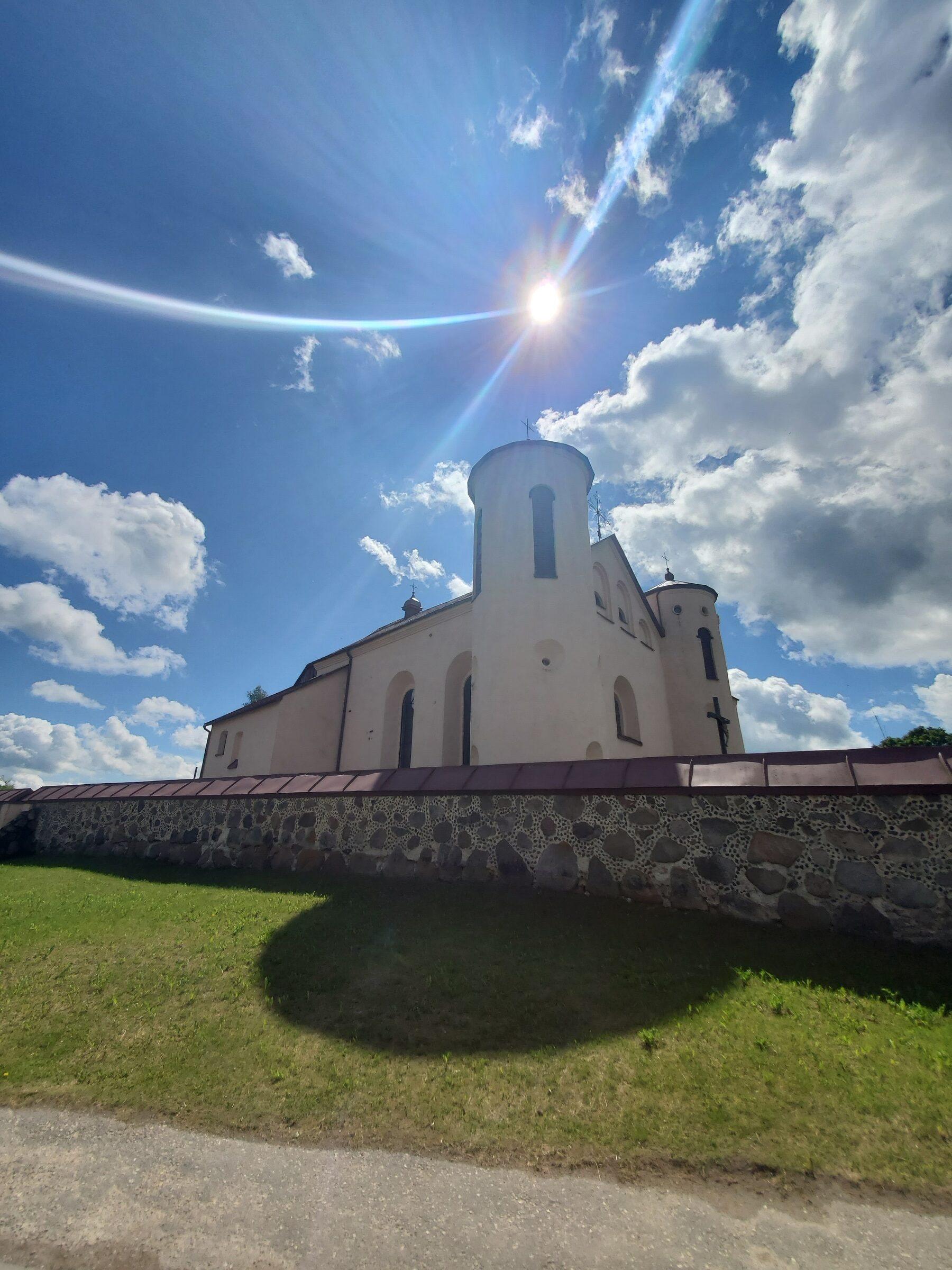 20200606 115644 rotated - Костел Св. Иоанна Крестителя в агрогородке Камаи