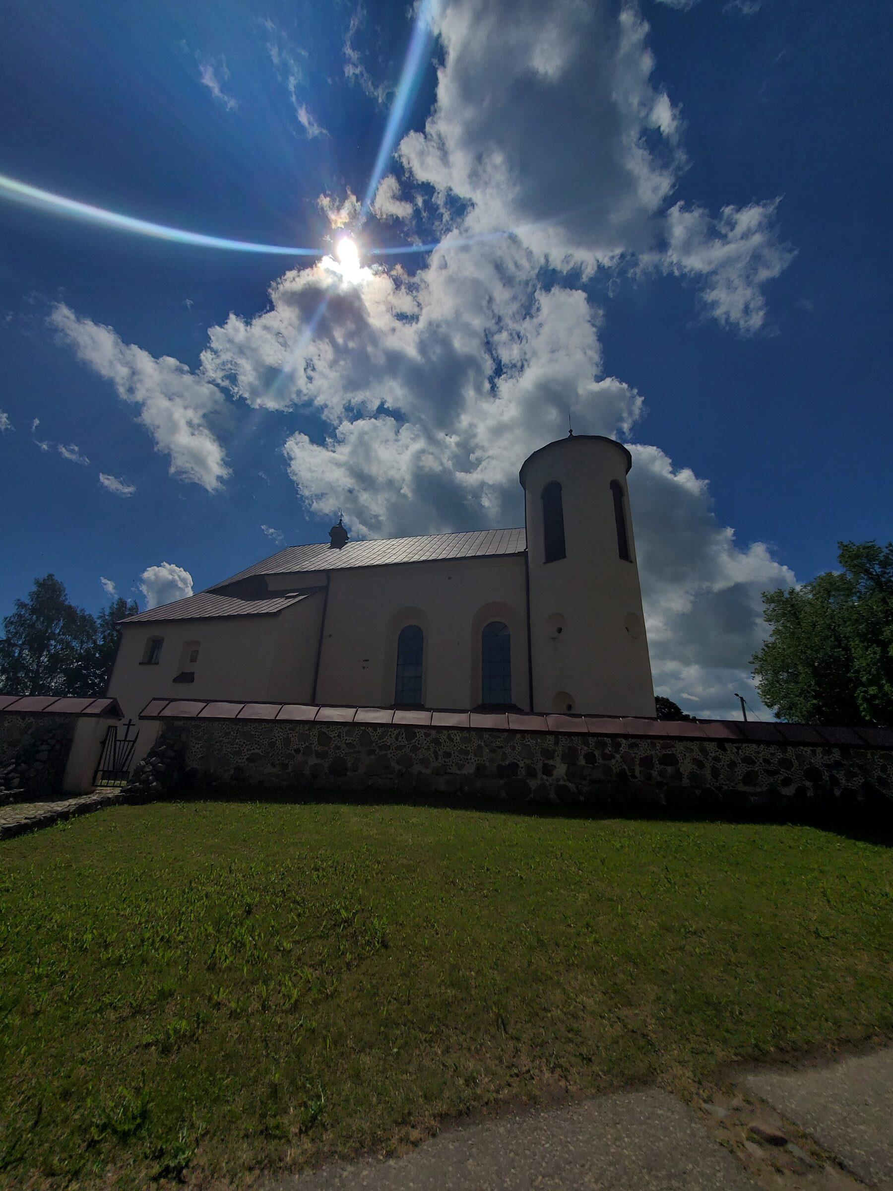 20200606 115715 rotated - Костел Св. Иоанна Крестителя в агрогородке Камаи