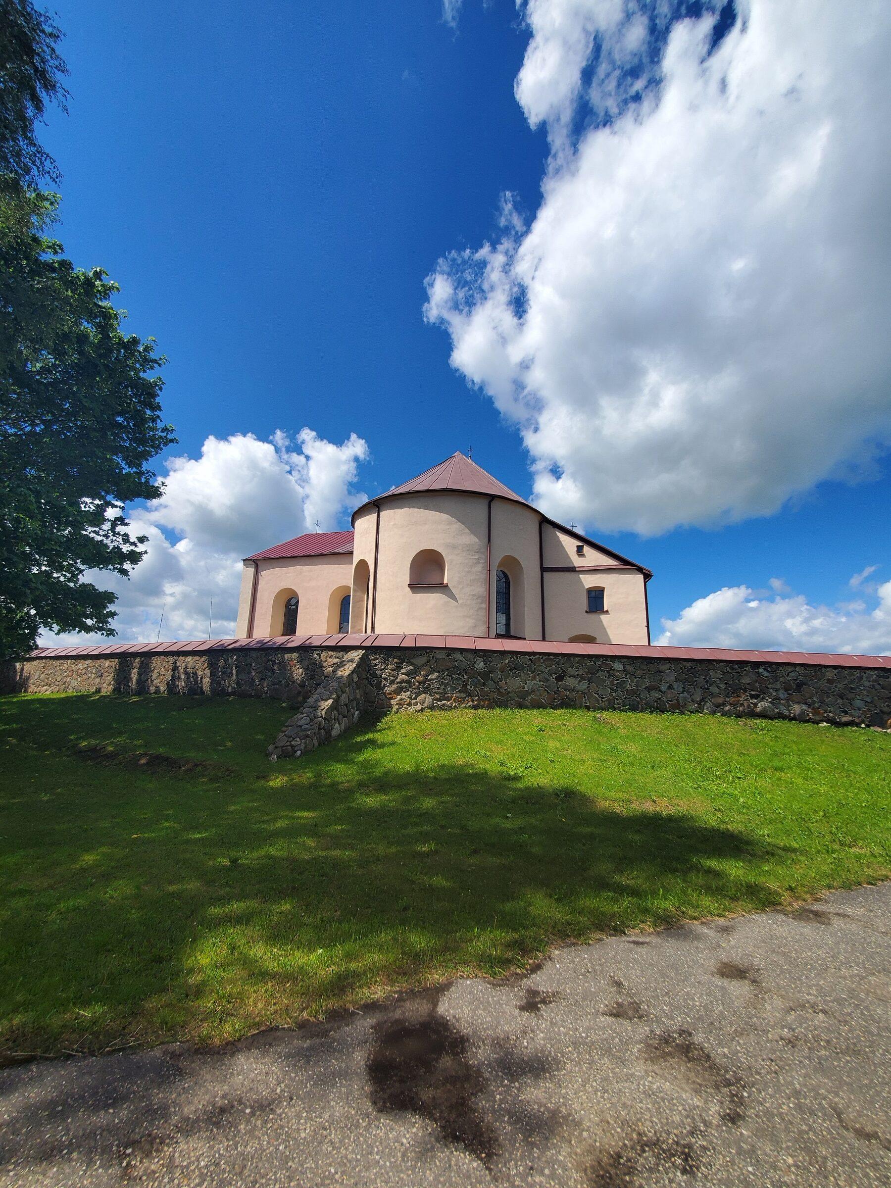 20200606 115845 rotated - Костел Св. Иоанна Крестителя в агрогородке Камаи
