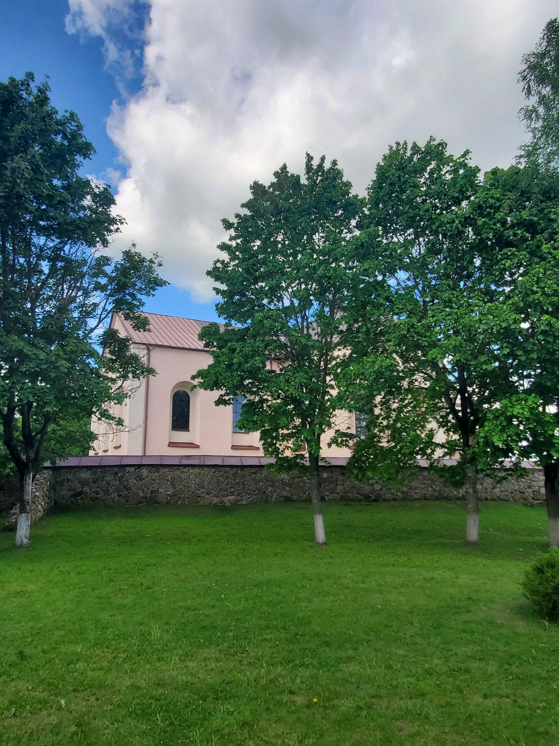 20200606 115932 rotated - Костел Св. Иоанна Крестителя в агрогородке Камаи
