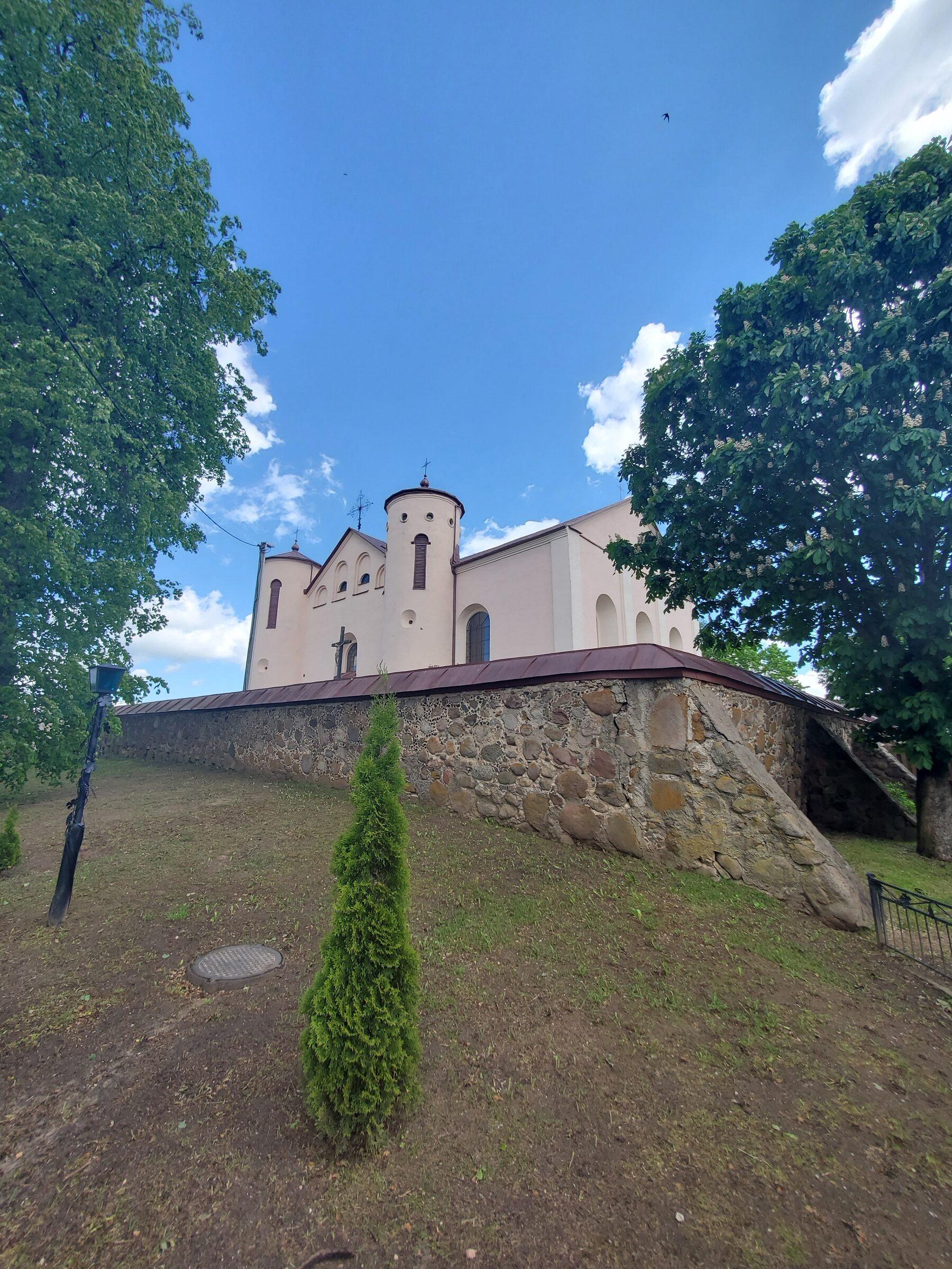 20200606 120210 rotated - Костел Св. Иоанна Крестителя в агрогородке Камаи