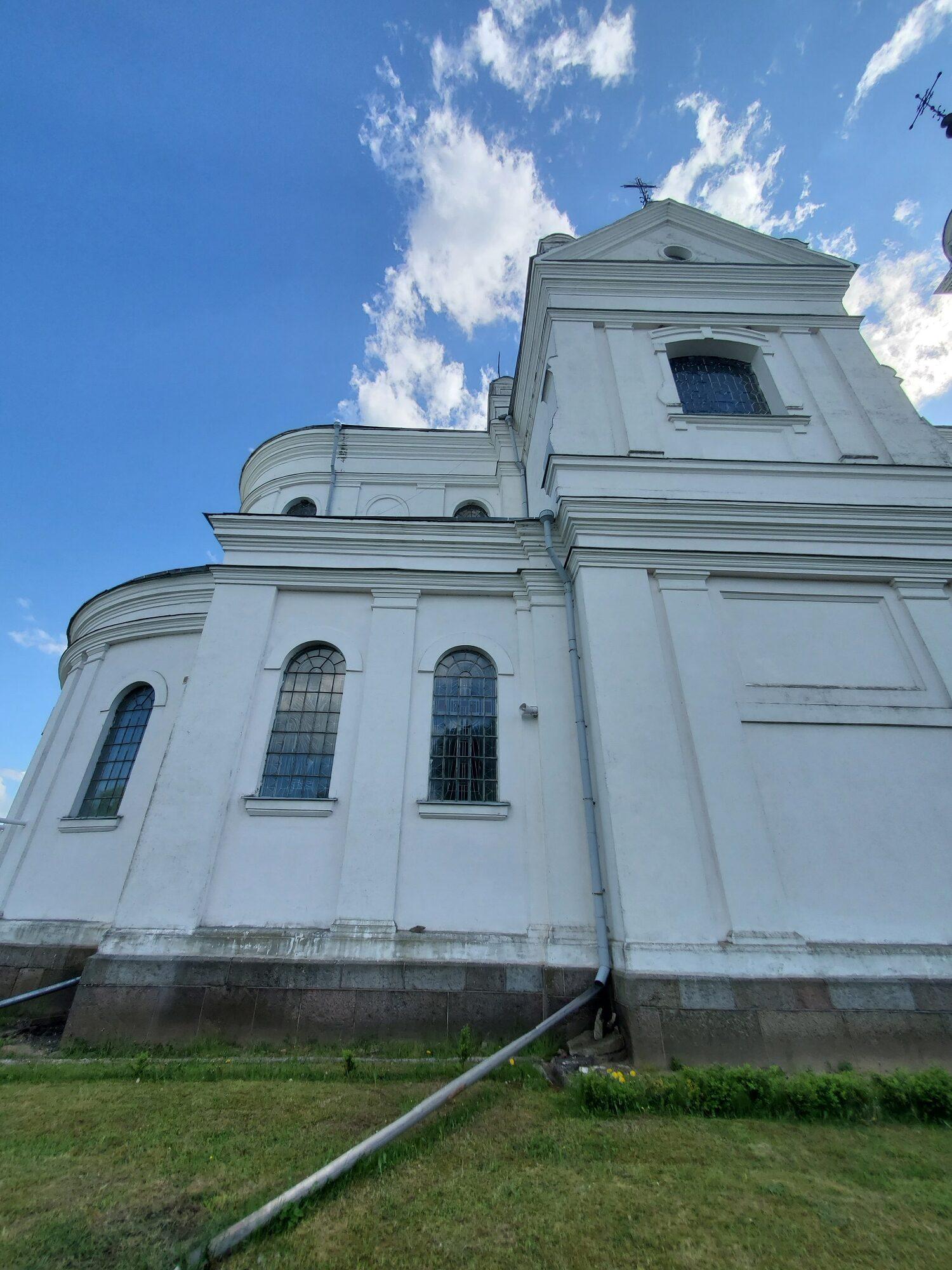 20200606 164927 rotated - Костел Пресвятой Девы Марии в деревне Парафьяново