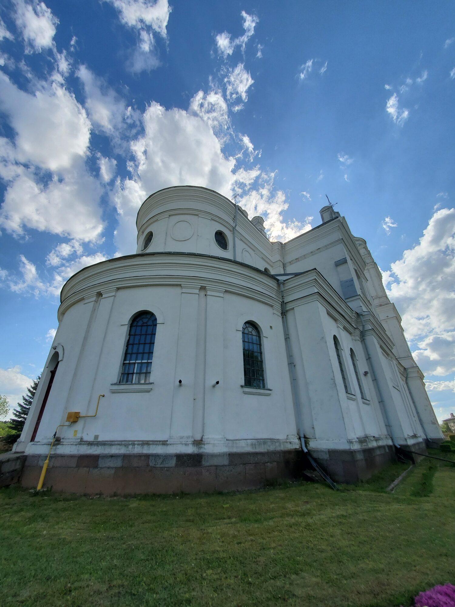 20200606 165001 rotated - Костел Пресвятой Девы Марии в деревне Парафьяново