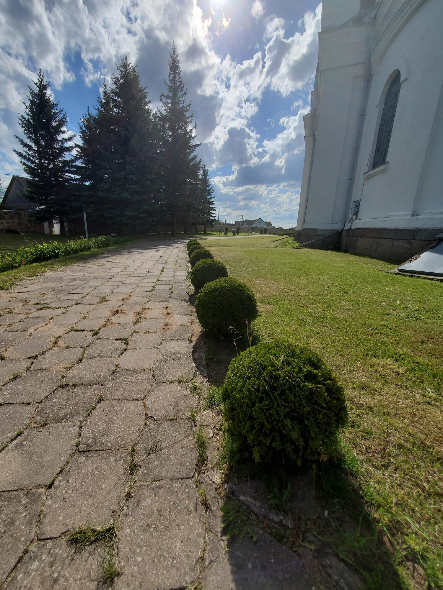 20200606 165059 rotated - Костел Пресвятой Девы Марии в деревне Парафьяново