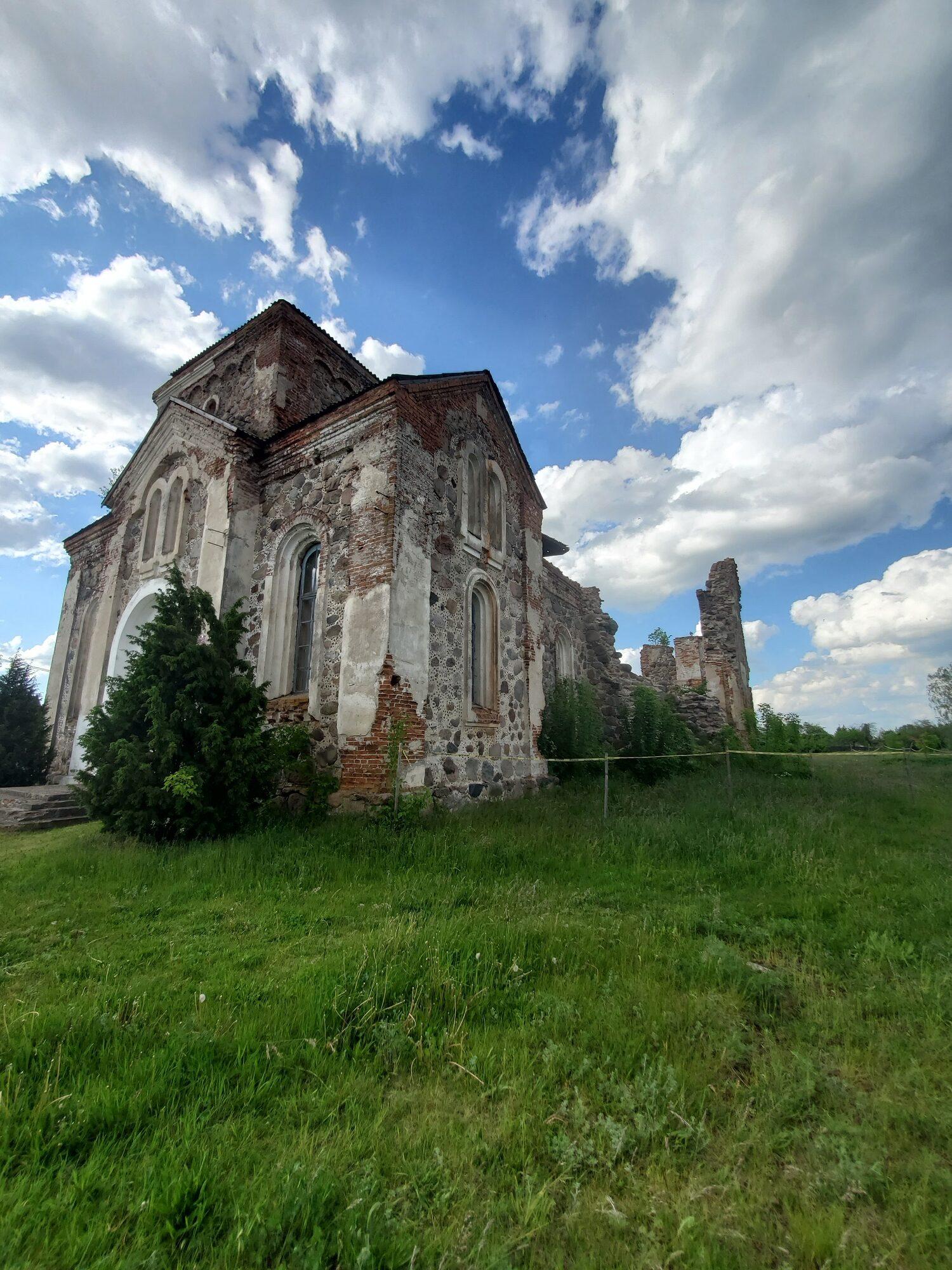 20200606 174308 rotated - Церковь Всех Святых в Бегомле