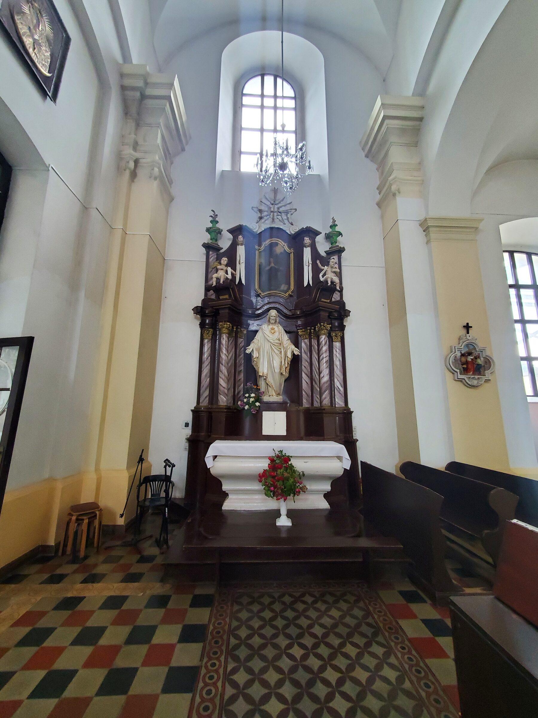 20200703 123417 rotated - Костел Святой Троицы в Глубоком