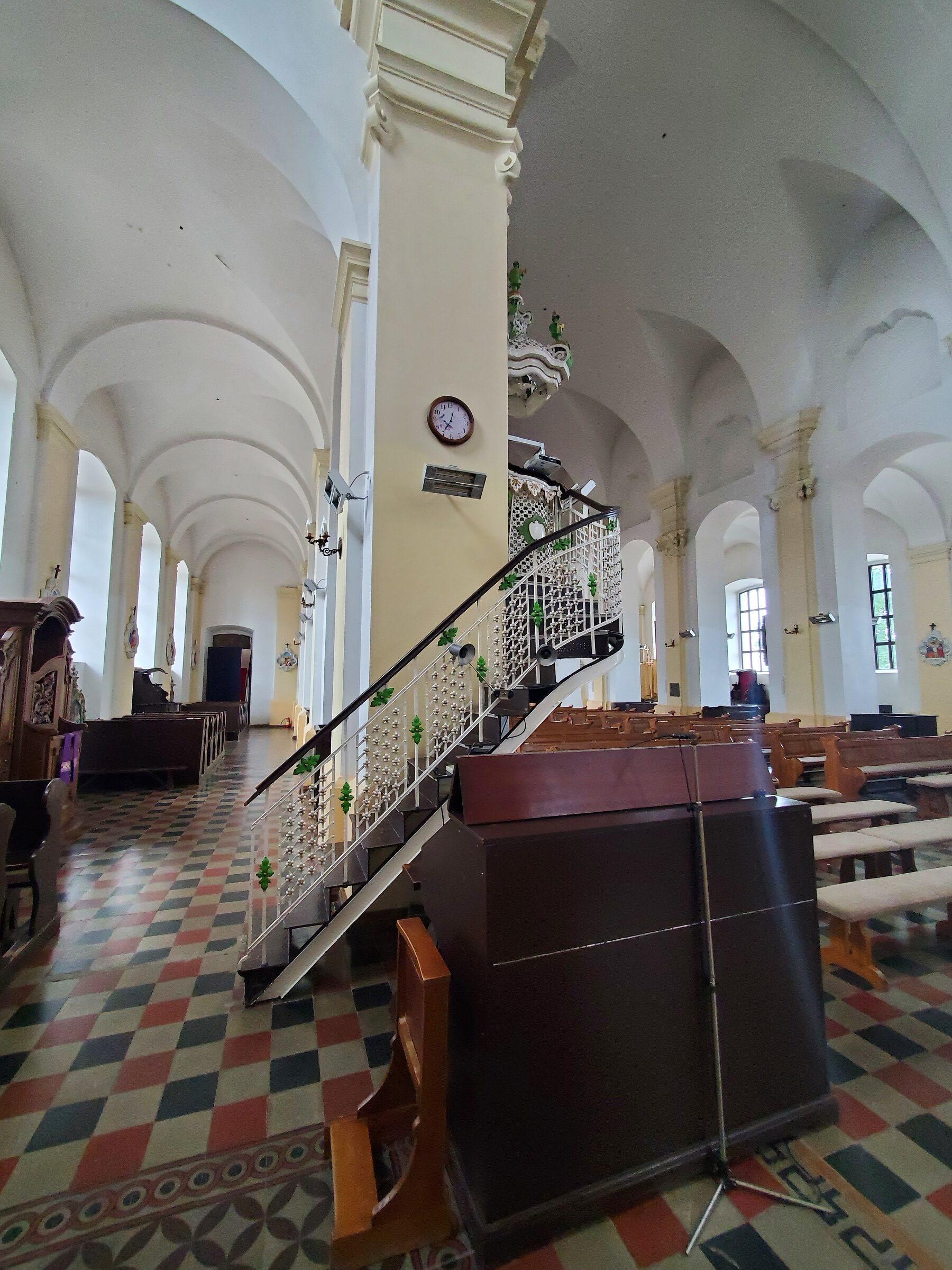 20200703 123449 rotated - Костел Святой Троицы в Глубоком