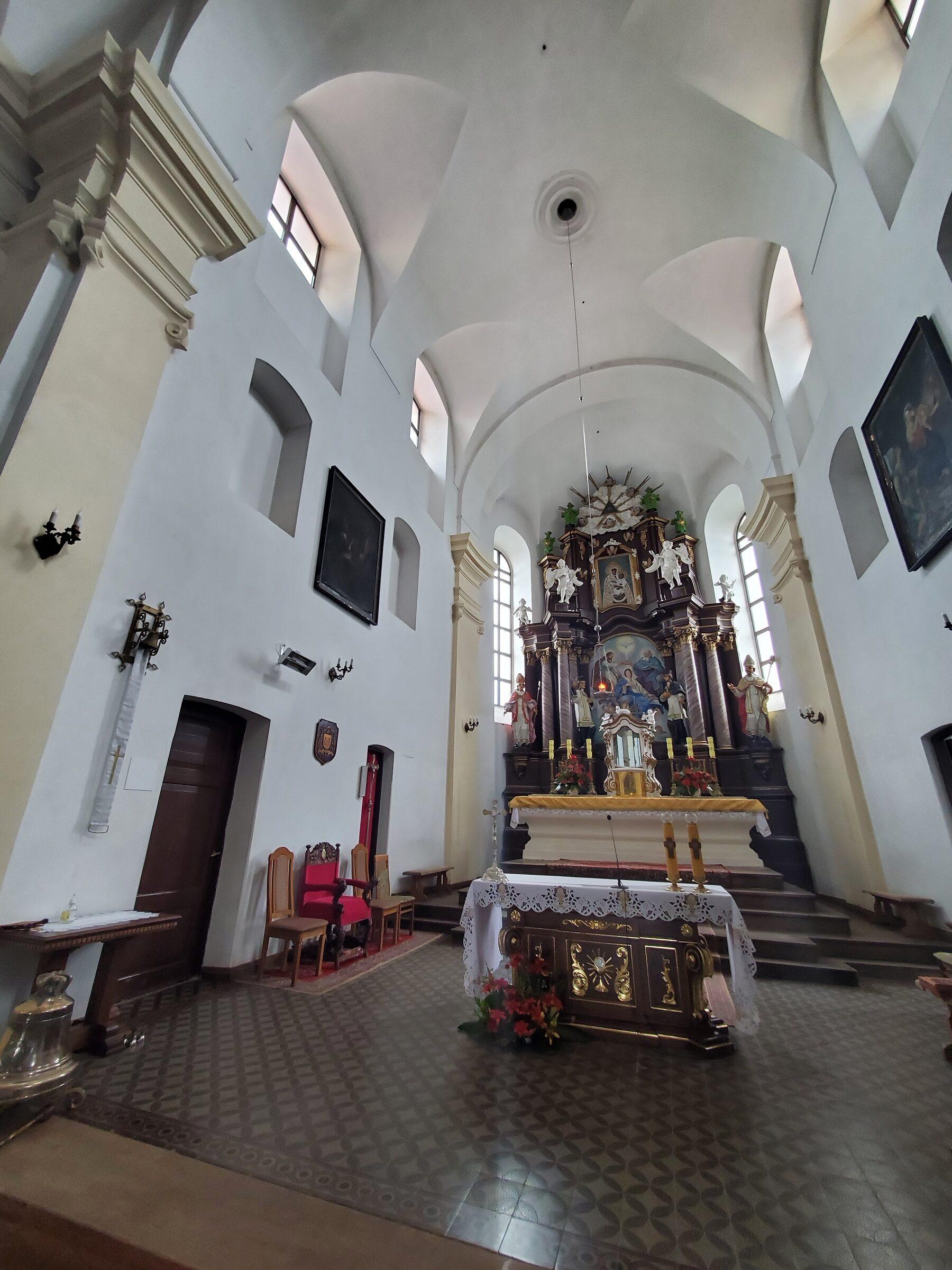 20200703 123508 rotated - Костел Святой Троицы в Глубоком