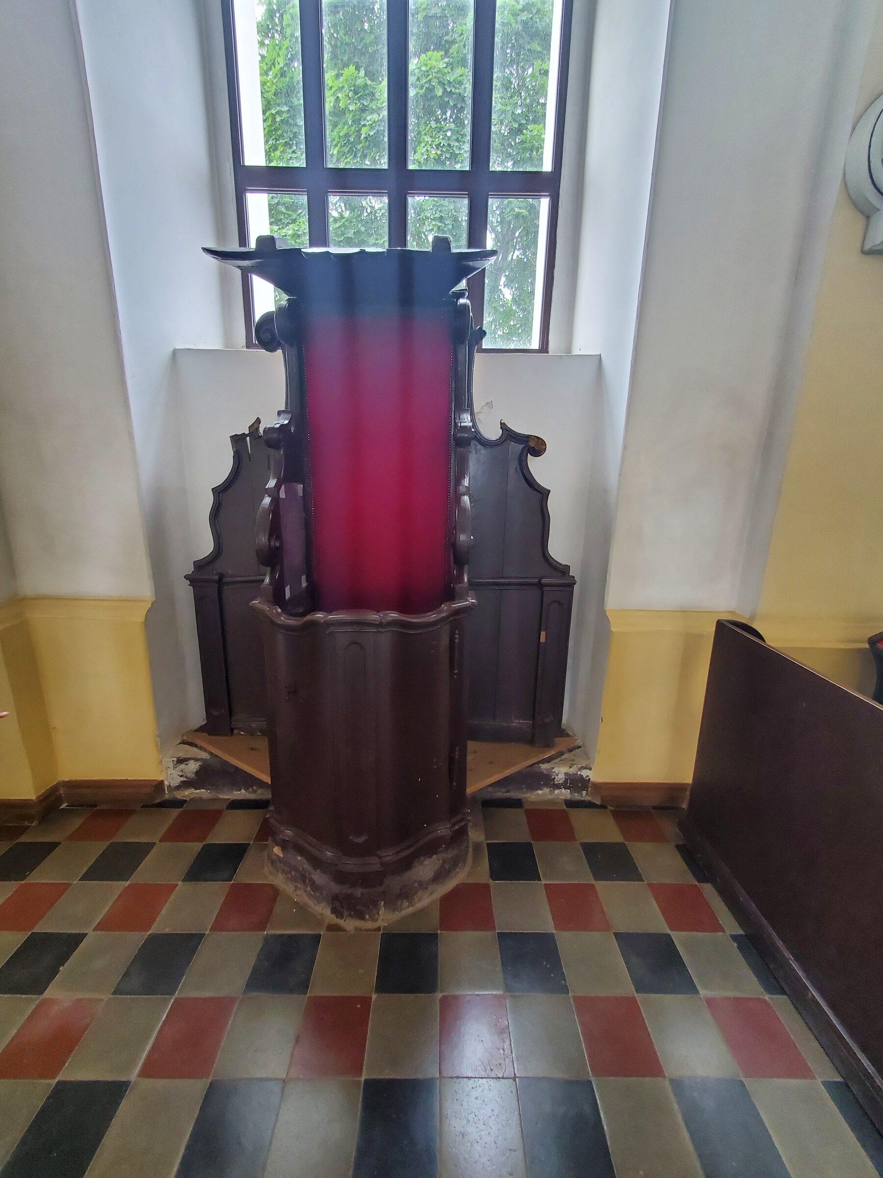 20200703 123625 rotated - Костел Святой Троицы в Глубоком