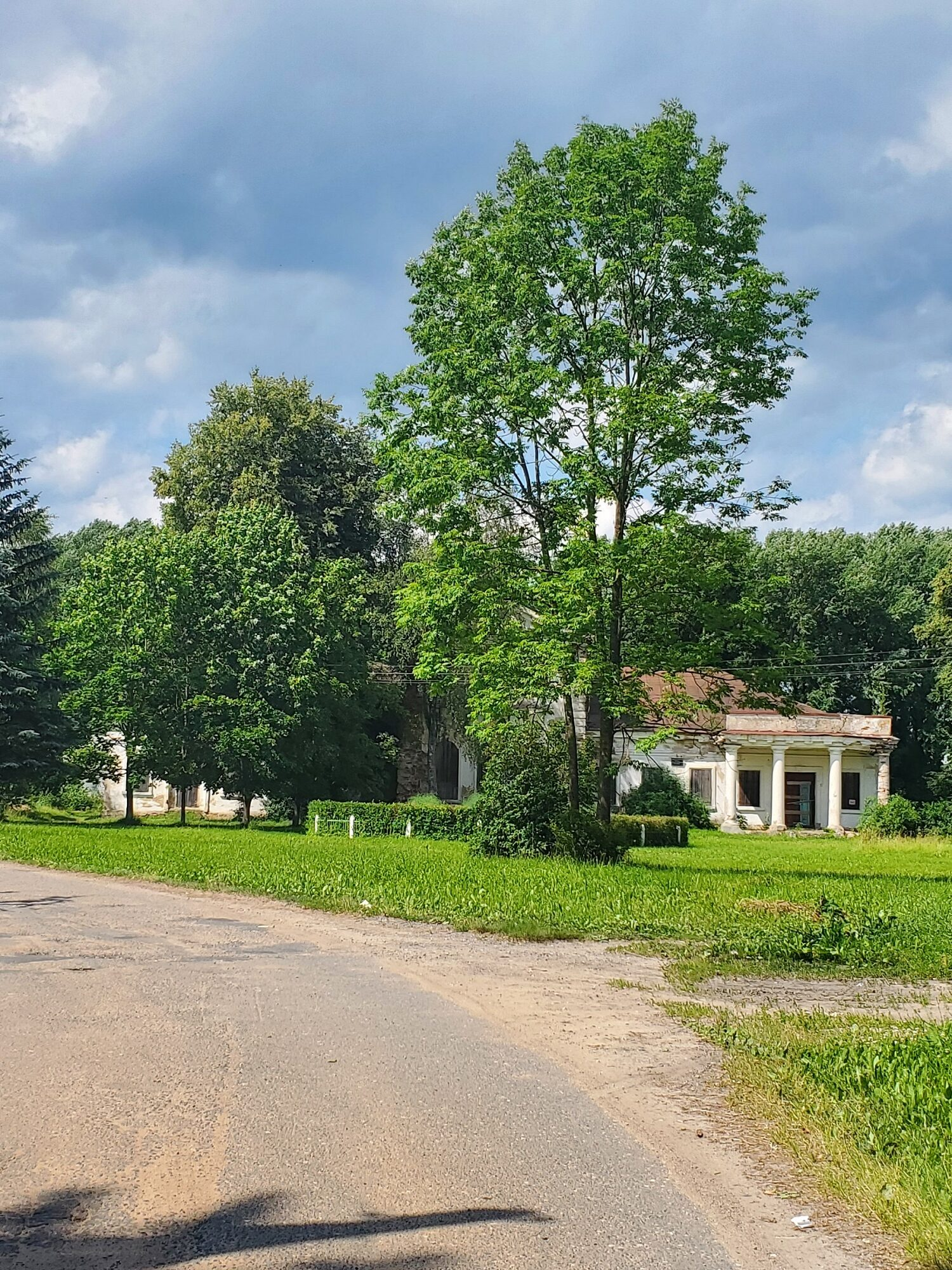 20200705 143909 rotated - Церковь Святой Параскевы Пятницы и усадьба Гребницких в Ореховно