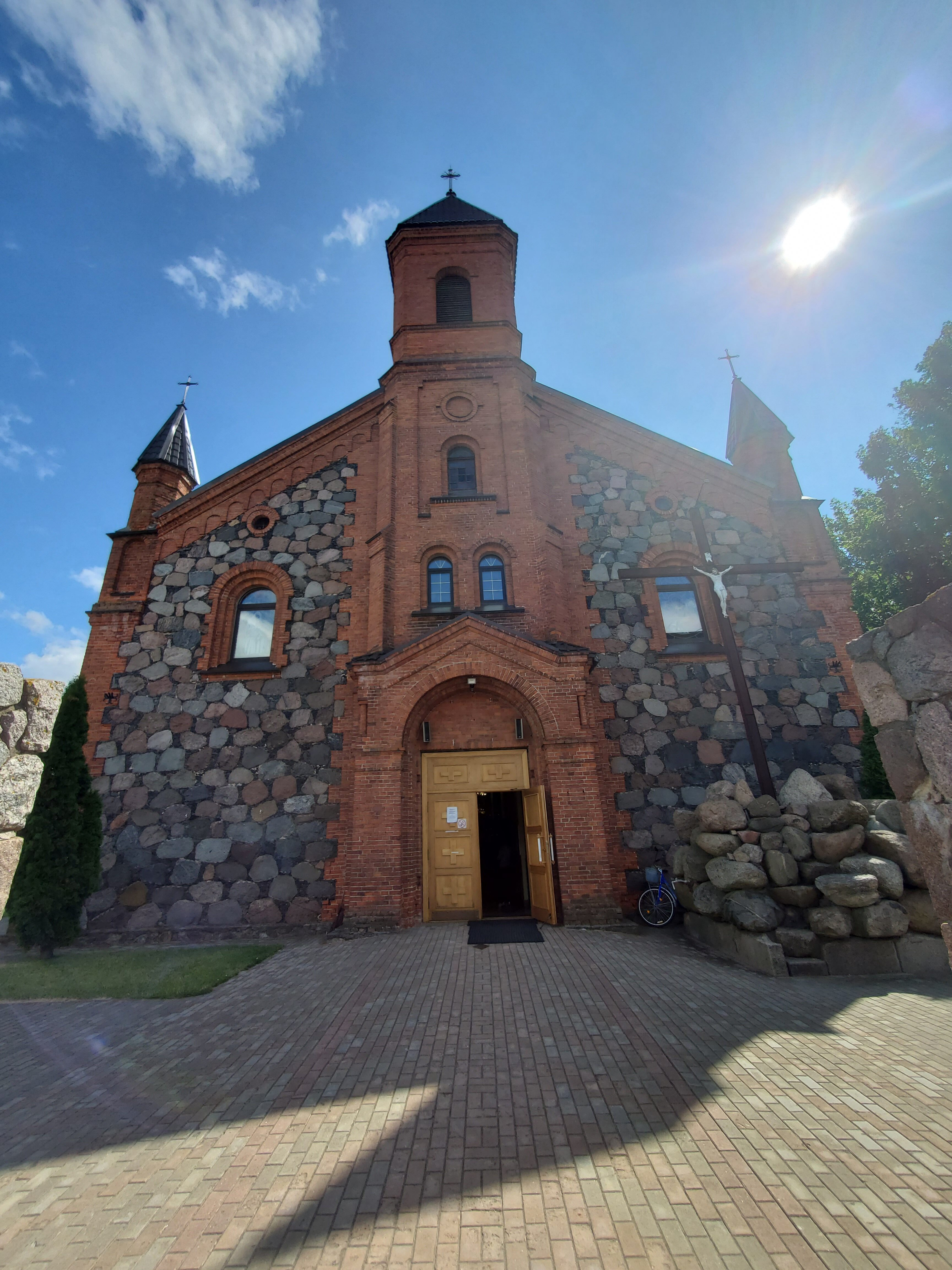 20200801 114006 rotated - Костел Рождества Пресвятой Девы Марии в Браславе