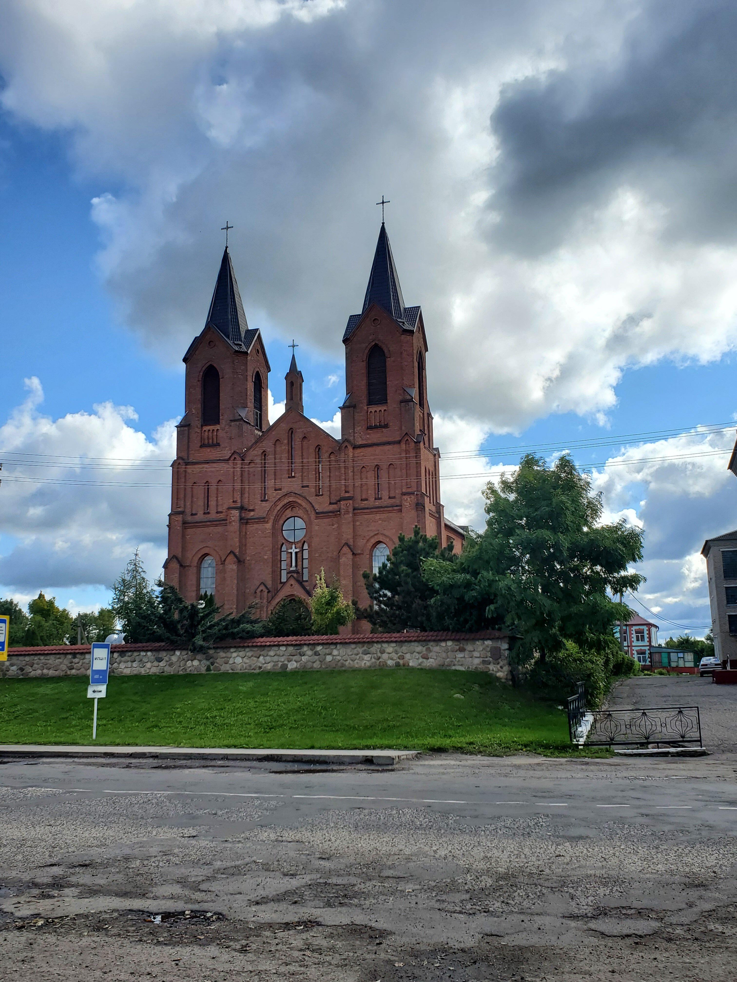 20210904 113223 rotated - Успенский костел в Миорах