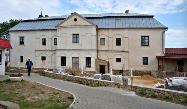 208592 603x354 2 - Здание плебании в Несвиже