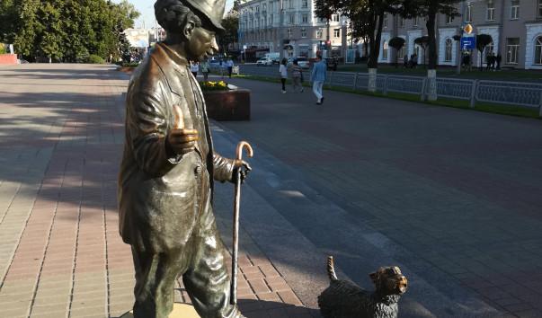 213873 603x354 3 - Памятник Карандашу и Кляксе в Гомеле