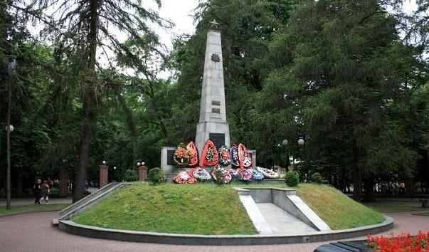 27892 603x354 - Братская могила советских воинов в Бресте