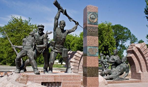 30509 603x354 - Памятник воинам-пограничникам в Брестской крепости