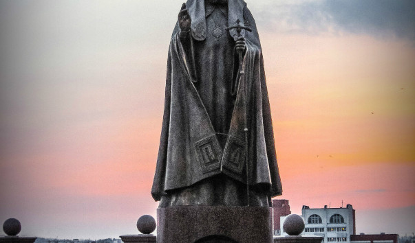 354179 603x354 2 - Памятник патриарху Алексию II в Витебске