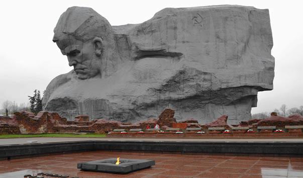 49653 603x354 - Монумент «Мужество» в Брестской крепости