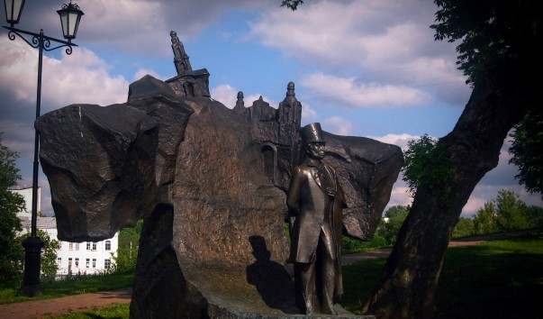 71523 603x354 2 - Памятник Пушкину А.С. в Витебске