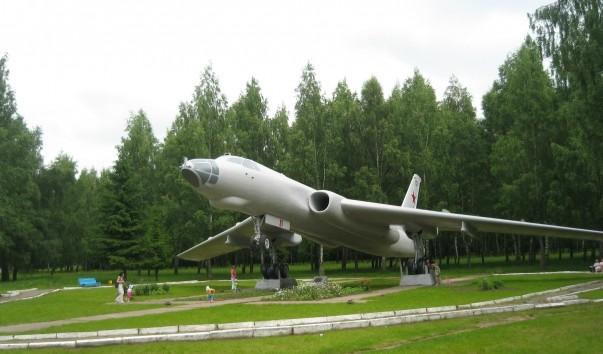 76174 603x354 2 - Памятник дальней авиации в Болбасово