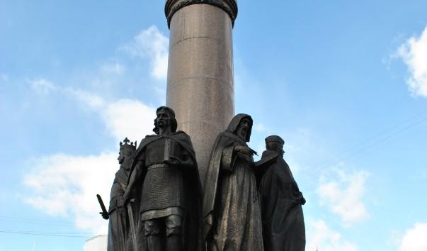77486 603x354 - Памятник 1000-летия г. Бреста