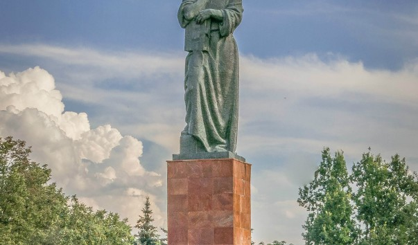 830542 603x354 2 - Памятник Франциску Скорине в Полоцке