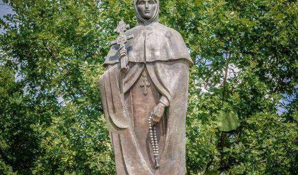 830544 603x354 2 - Памятник Евфросинии Полоцкой в Полоцке