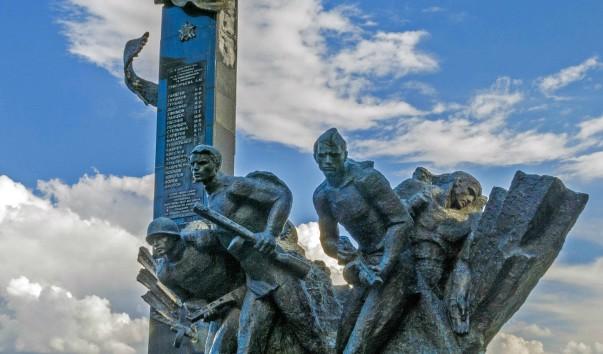 835424 603x354 2 - Памятник 23-м воинам-гвардейцам в Полоцке