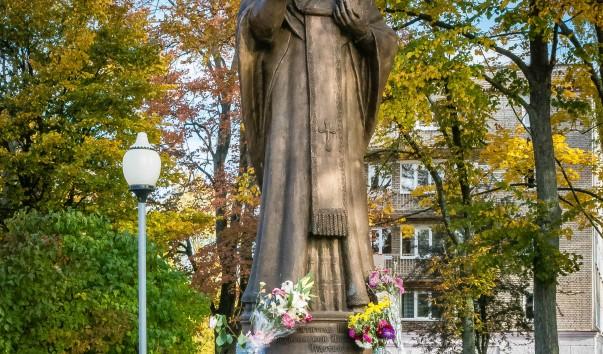 924012 603x354 2 - Памятник Николаю Чудотворцу в Полоцке