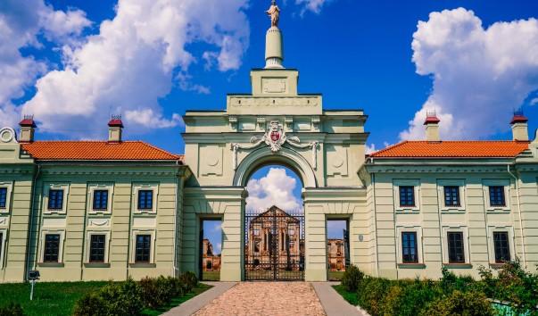 961227 603x354 1 - Ружанский дворец