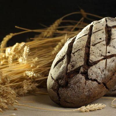 Белорусский закисной чёрный хлеб - резной