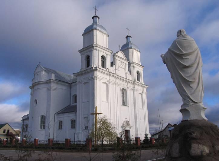 Dunilovichi 1 - Костел Святой Троицы в деревне Дуниловичи