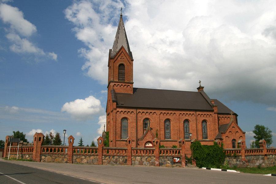 Opsa kostel 1 - Храм Святого Иоанна Крестителя в Опсе