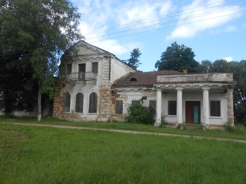 Orehovno usadba 1 - Церковь Святой Параскевы Пятницы и усадьба Гребницких в Ореховно