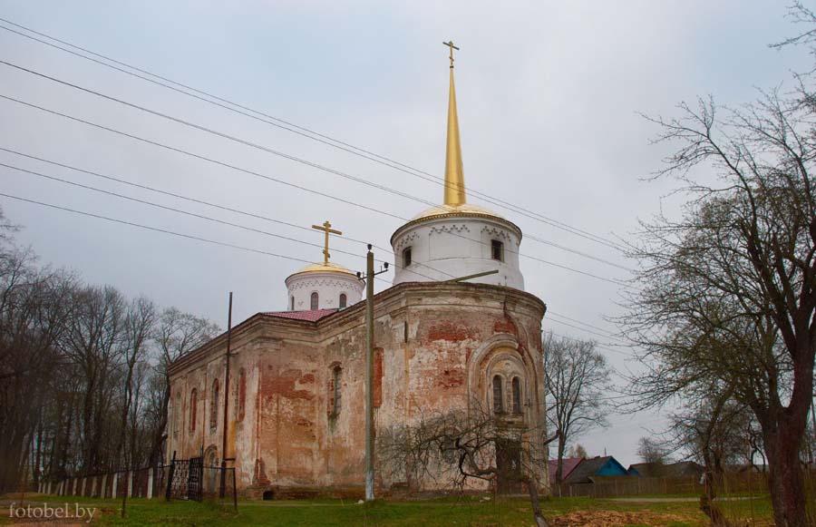 Ostrovno 1 - Церковь Святой Троицы в Островно