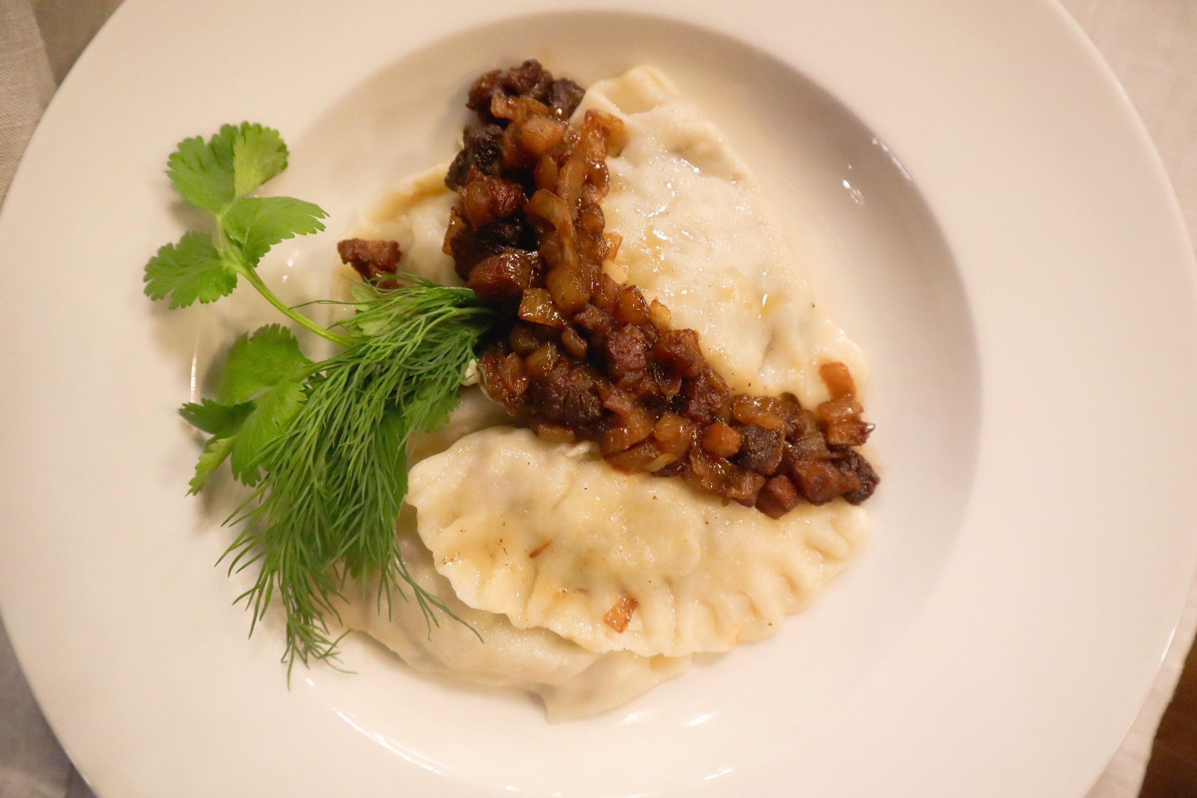 vareniki s kartofelem i gribami - Экопарк «Акварель»
